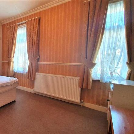 Rent this 3 bed house on Henderson Road in London N9 7QU, United Kingdom