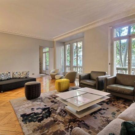 Rent this 3 bed apartment on Paris in Gros-Caillou, ÎLE-DE-FRANCE