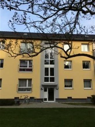 Rent this 3 bed apartment on Fütingsweg 19a in 47805 Krefeld, Germany