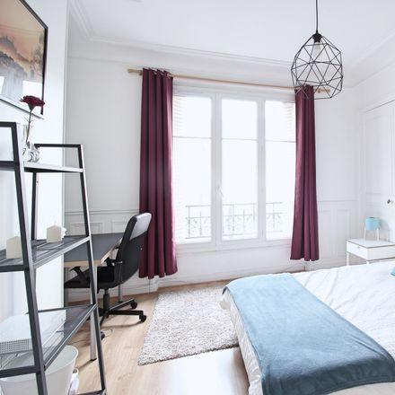Rent this 3 bed room on 2 Cité de la Chapelle in 75018 Paris, France