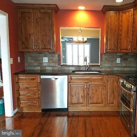 Rent this 3 bed townhouse on 43303 Parlor Square in Ashburn, VA 20147