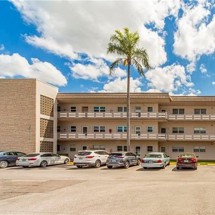 Rent this 1 bed condo on 80th St N in Saint Petersburg, FL