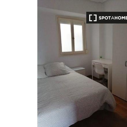 Rent this 3 bed apartment on Col·legi Antonio García López in Plaça de Chopin, 46022 Valencia