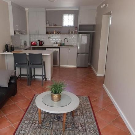 Rent this 1 bed townhouse on Parliament of South Africa in Bureau Street, City Centre