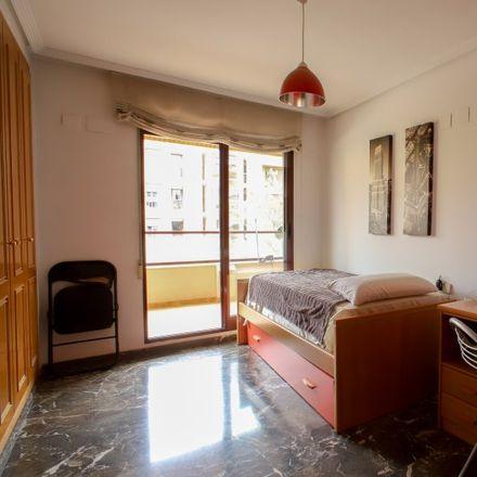 Rent this 3 bed apartment on Avinguda del Mestre Rodrigo in 46035 Valencia, Spain