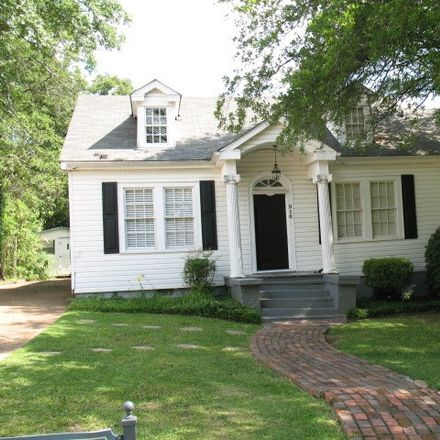 Rent this 3 bed house on 916 Manship Street in Jackson, MS 39202
