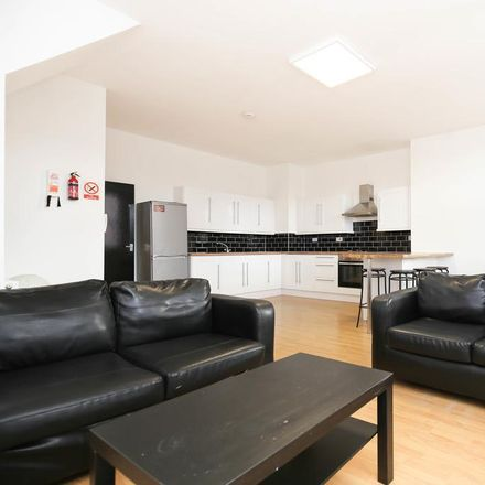 Rent this 3 bed apartment on St Oswald's Hospice in 175-181 Shields Road, Newcastle upon Tyne NE6 1DP