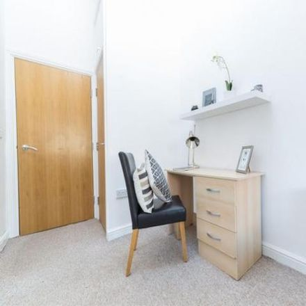 Rent this 6 bed apartment on Otterburn Terrace in Newcastle upon Tyne NE2 3AP, United Kingdom