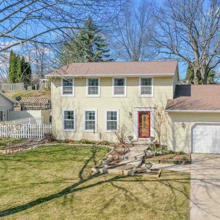 Rent this 3 bed house on 520 Edward Drive in Green Bay, WI 54302