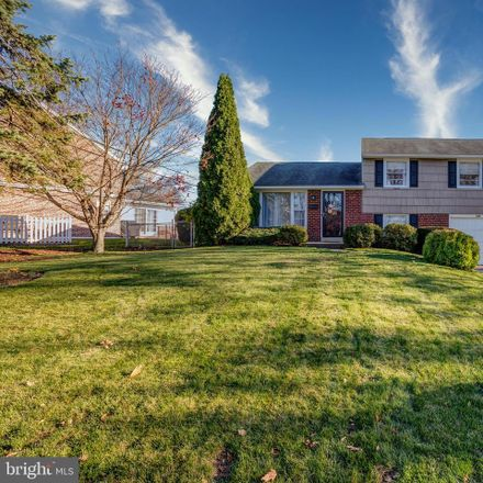 Rent this 3 bed house on Longview Rd in Springfield, PA