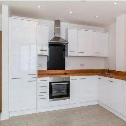 Rent this 1 bed apartment on Thames Antiques & Vintage in West Street, Maidenhead SL6 8AA