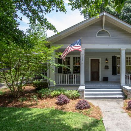 Rent this 3 bed house on 812 Adeline Street in Hattiesburg, MS 39401