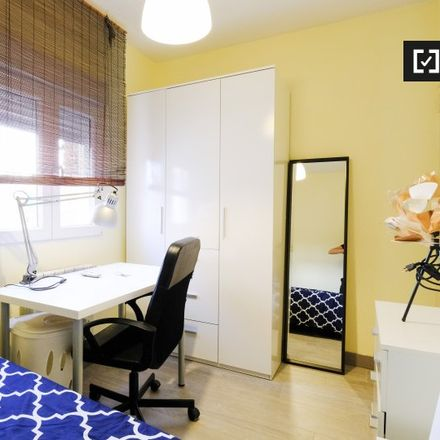 Rent this 4 bed apartment on Calle Nardos in 2, 28903 Getafe