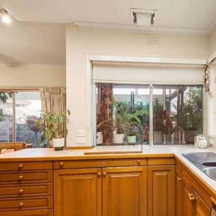 Rent this 4 bed house on 27 Roseville Avenue