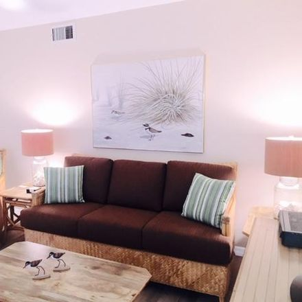 Rent this 1 bed condo on 353 S US Hwy 1 in Jupiter, FL