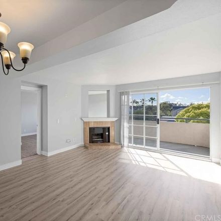Rent this 2 bed condo on 535 West 4th Street in Long Beach, CA 90802