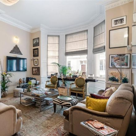 Rent this 3 bed apartment on Queen's Gate Gardens in London SW7 5RR, United Kingdom