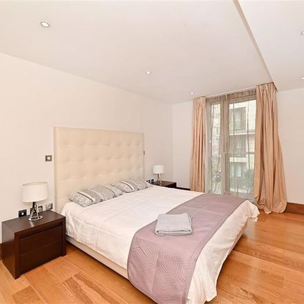 Rent this 4 bed apartment on 235-237 Baker Street in London NW1 6XE, United Kingdom