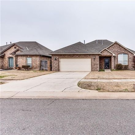 Rent this 3 bed house on 949 Northeast 30th Street in Moore, OK 73160
