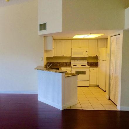 Rent this 2 bed condo on Crestwood Blvd in West Palm Beach, FL