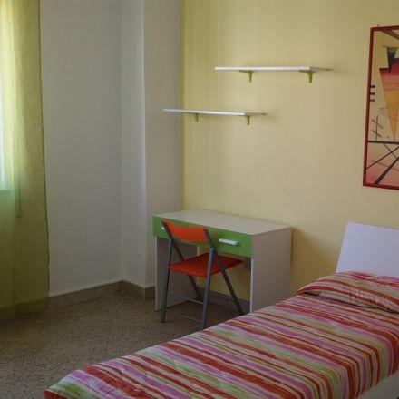 Rent this 4 bed room on Via Santa Rita in 90134 Palermo PA, Italia