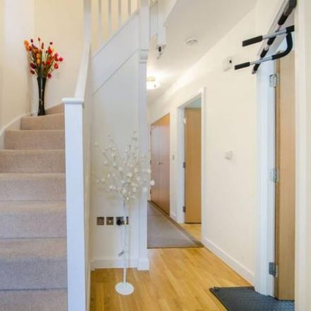 Rent this 4 bed house on London TW8 0JL