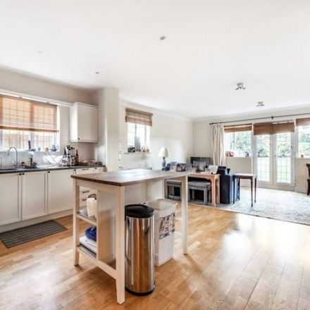 Rent this 5 bed apartment on Sheridan Grove in Sunningdale SL5 0BX, United Kingdom
