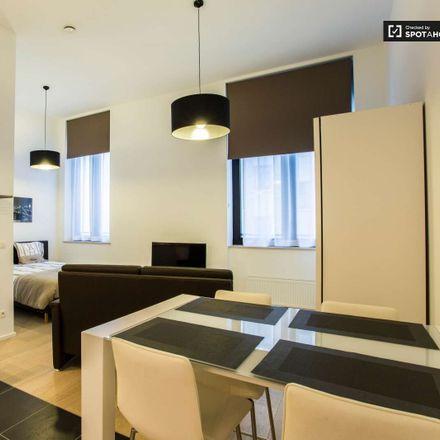 Rent this 2 bed apartment on Rue du Fossé aux Loups