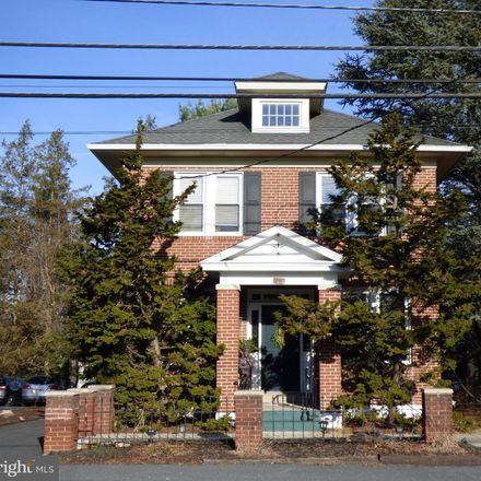Rent this 3 bed house on Jonestown Road in Harrisburg, PA 17103