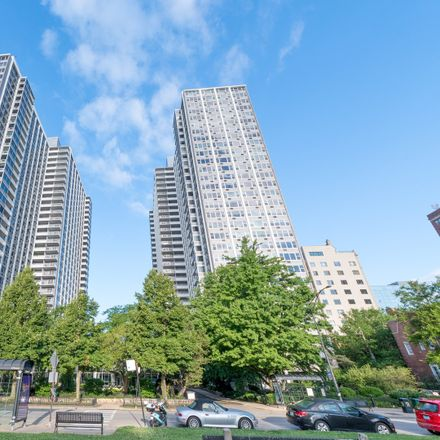 Rent this 2 bed condo on 4250 N Marine Drive in North Marine Drive, Chicago