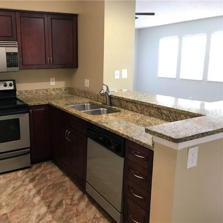 Rent this 3 bed condo on 112th Ave NE in Saint Petersburg, FL