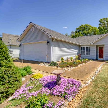 Rent this 3 bed house on Hopper Barker Rd in Jackson, TN