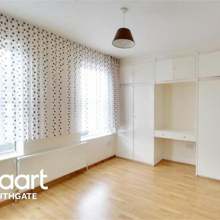 Rent this 3 bed house on Lopen Road in London N18 1PT, United Kingdom