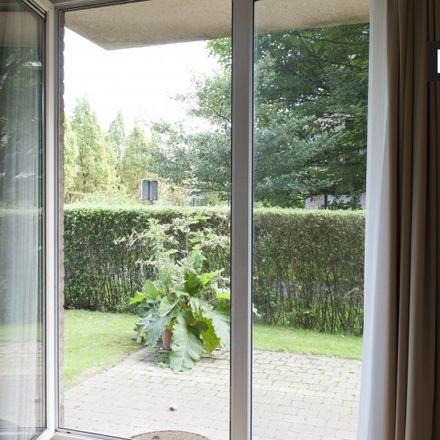Rent this 2 bed apartment on Avenue de la Quiétude - Gemoedsrustlaan 20 in 1140 Evere, Belgium