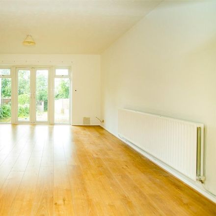 Rent this 3 bed house on St. Paul's Infant School in Hillary Road, Maidstone ME14 2BS
