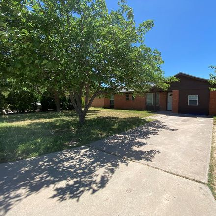 Rent this 3 bed house on 1616 East Magnolia Avenue in Midland, TX 79705