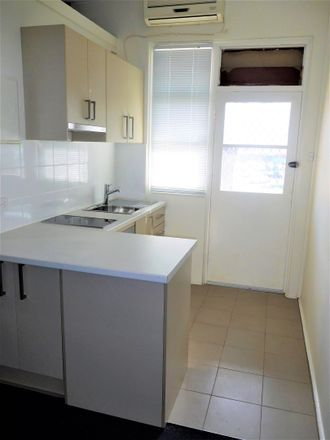 Rent this 1 bed room on 1/51 Vincent Street