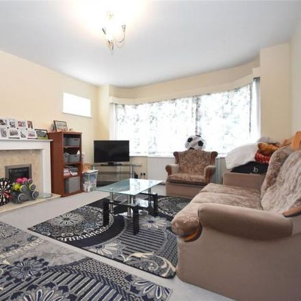 Rent this 2 bed house on Farley Hill in Luton, LU1 5HQ