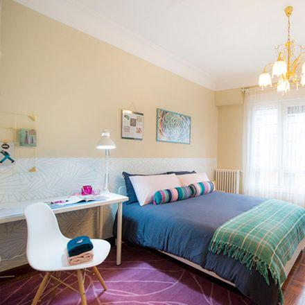 Rent this 7 bed room on Gurutze Gorria Victoria Eugenia in Alameda Urquijo / Urkixo zumarkalea, 48011 Bilbao