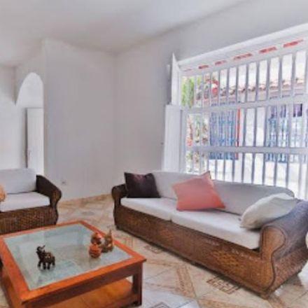 Rent this 5 bed apartment on Tree House Hostal in Calle de San Antonio 25 - 99, Dique