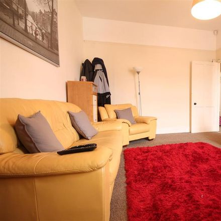 Rent this 3 bed apartment on Hazelwood Avenue in Newcastle upon Tyne NE2 3HU, United Kingdom
