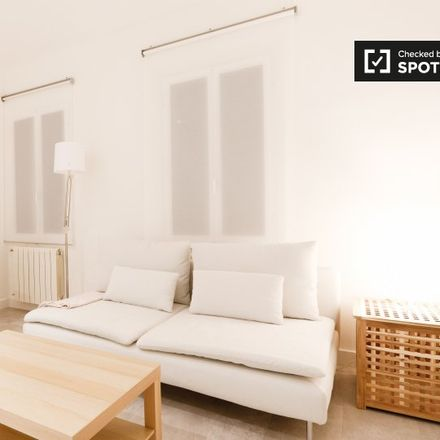 Rent this 2 bed apartment on Sanatorio Nuestra Señora del Rosario in Calle del Príncipe de Vergara, 53
