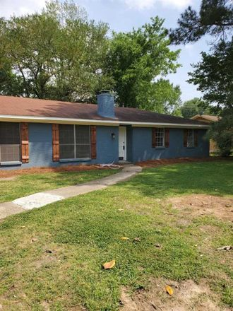 Rent this 3 bed house on Deer Trl in Jackson, MS