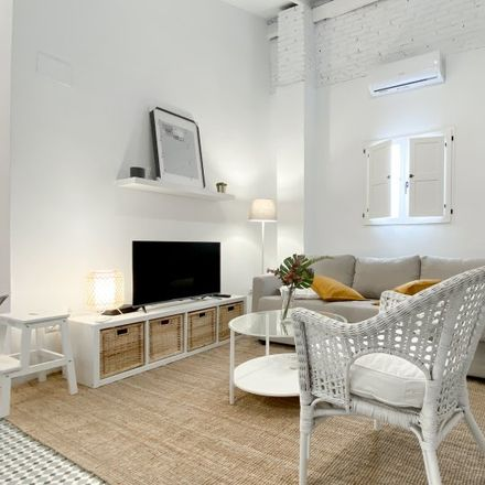 Rent this 2 bed apartment on Carrer de les Acàcies in 46025 Valencia, Spain