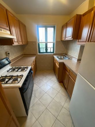 Rent this 2 bed condo on 1410 Parkchester Road in New York, NY 10462