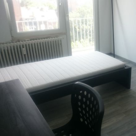 Rent this 3 bed room on Boulevard Paul Janson 42 in 6000 Charleroi, Bélgica