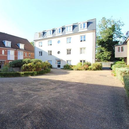 Rent this 2 bed apartment on M&S Simply Food in 1-13 High Street, Banstead SM7 2NE