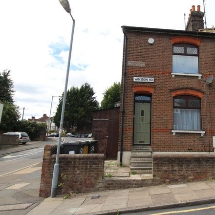 Rent this 3 bed house on Winsdon Road in Luton LU1 5JT, United Kingdom