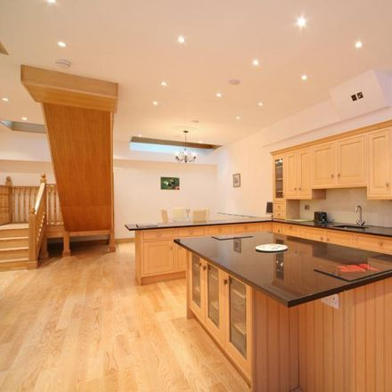 Rent this 5 bed house on 192 Queen's Gate in London SW7 5EZ, United Kingdom