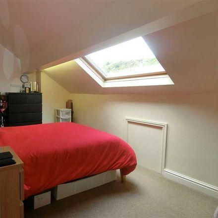 Rent this 2 bed house on Sigott Street in Kirklees HD3 4XA, United Kingdom